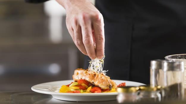 Aprenda Como Aproveitar o Melhor da Culinária Local