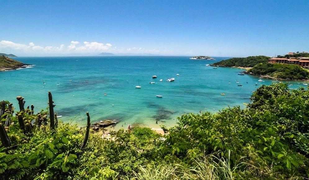 Descubra os Melhores Destinos de Praia do Brasil (incluindo Armação dos Búzios)